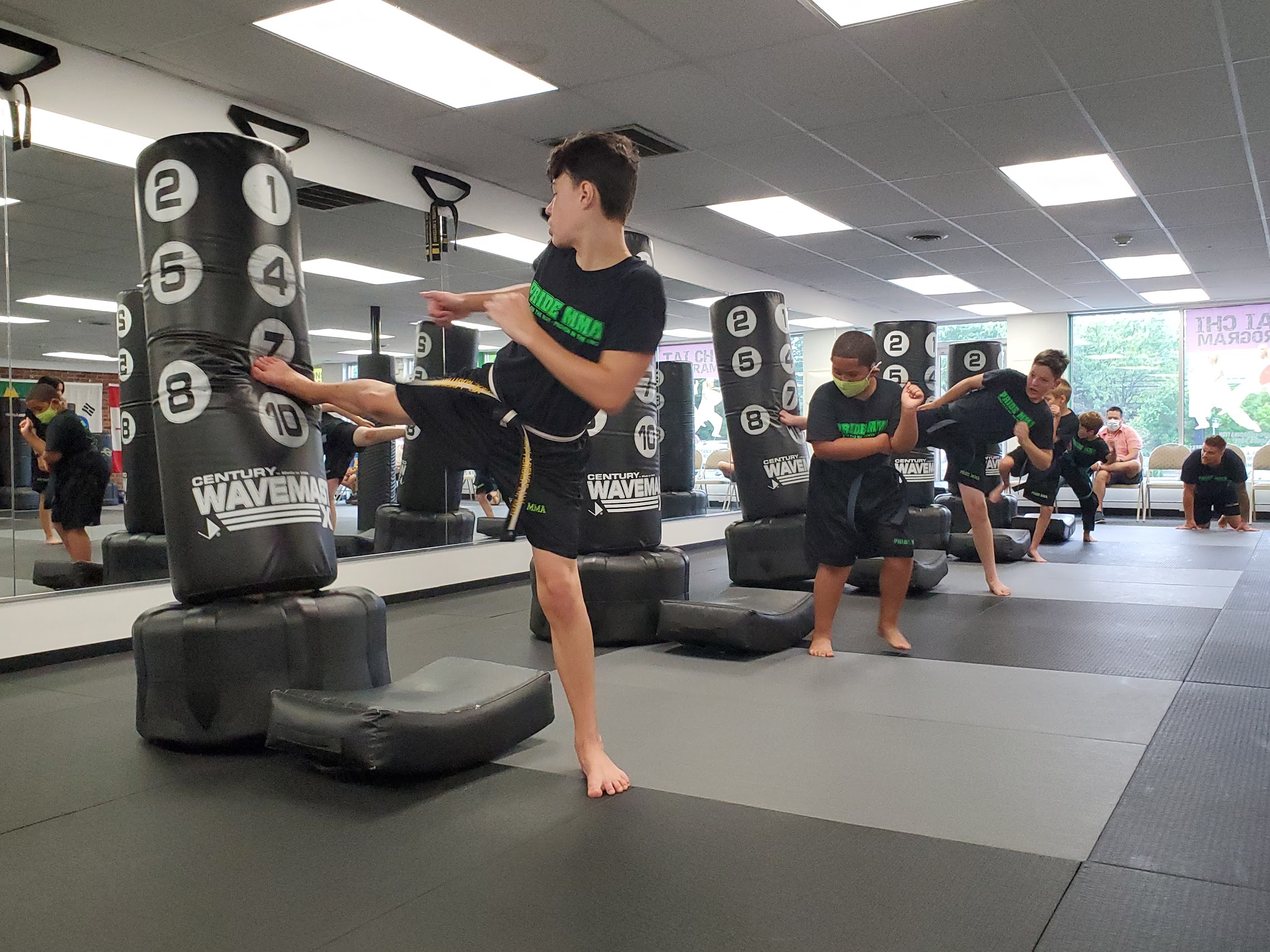 3 Great Reasons to Kickstart Your Fitness with Kickboxing